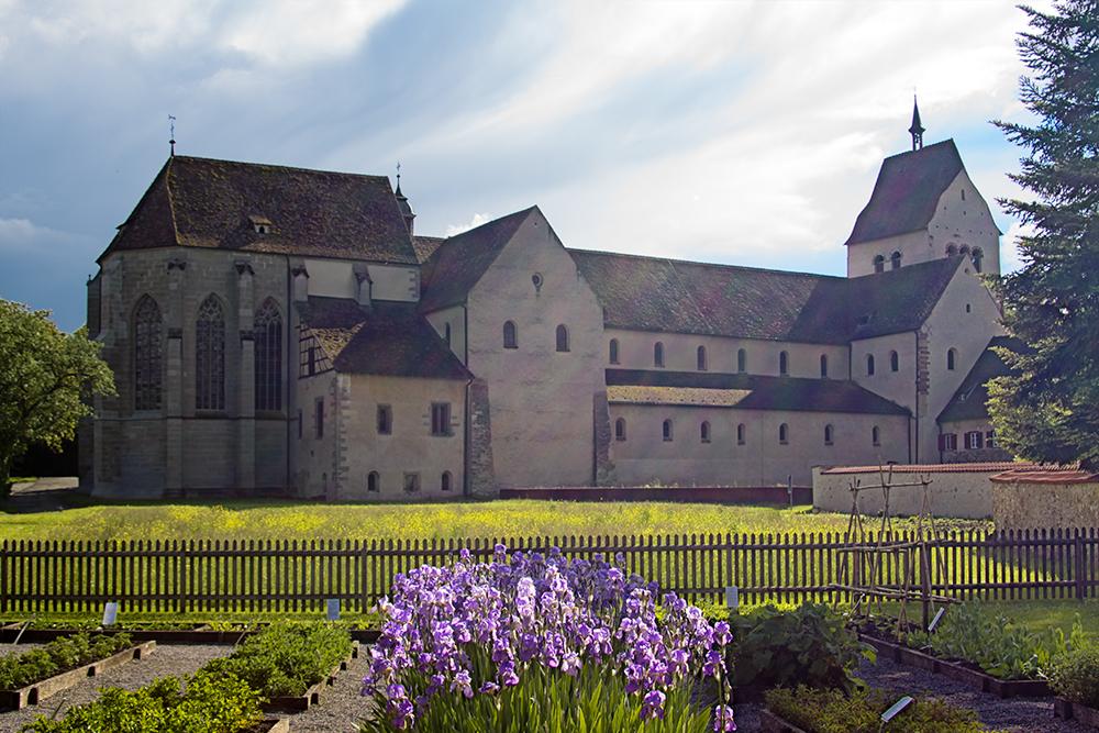 Reichenau, Münster mit Heilkräutergarten des Walahfrid Strabo