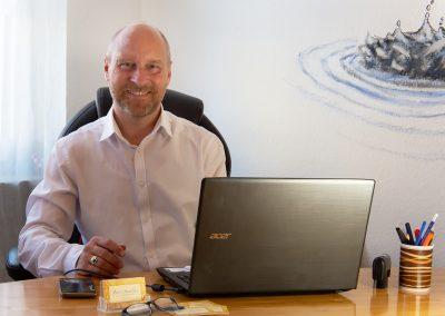 Mario Manetzki im Büro