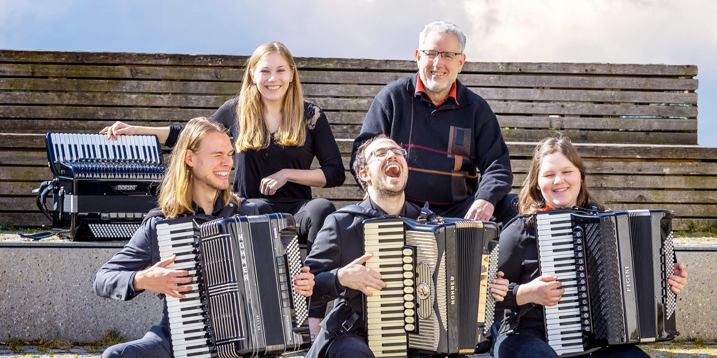 Akkordeon-Band Amitoras (Absolventen Hohner-Konservatorium)